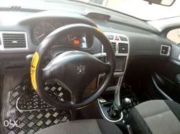 Neatly used, 1st body, buy nd travel Peugeot 307...