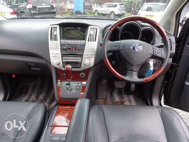 Toyota Harrier with panaromic roof 2011 model excellent condition Kilimani - image 3