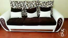7 seater fabric sofa seat with the table.