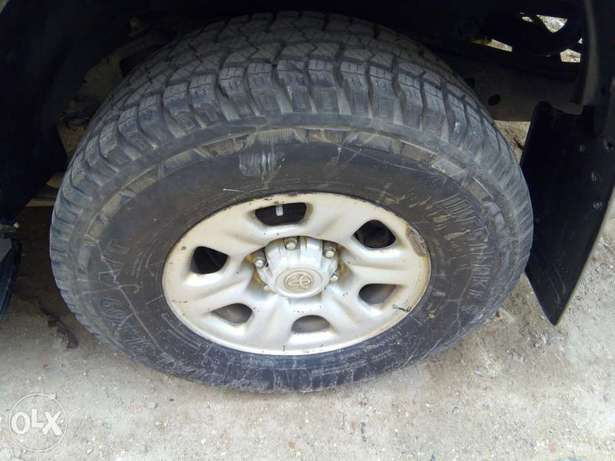 Clean and Well Maintained Toyota Hilux Surf 4WD SUV Mombasa Island - image 7