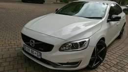 2014 volvo 2.0 s60 R-design auto for sale