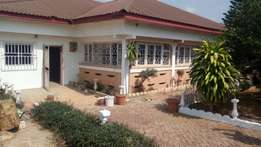 6 bedrooms house 4 sale at Atonsu Dompoase.