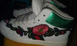 Ankle Length Gucci Sneakers With Rose Embroidery