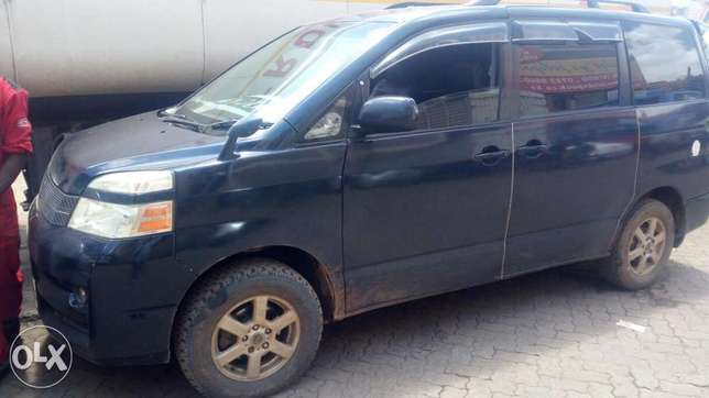 Well maintained toyota voxy asking for Ksh 750 negotiable Embakasi - image 1