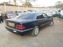 The Elegant E Class -Mercedes Benz Tradein Ok Auto Petrol Navy Blue
