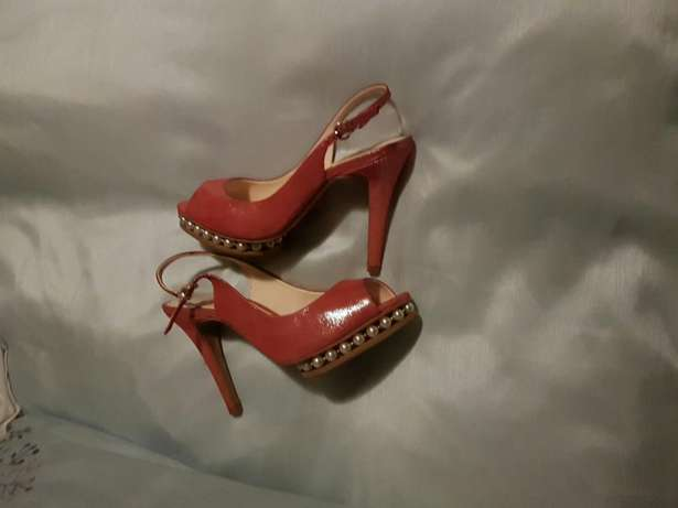 Lovely pair of heels Randburg - image 3