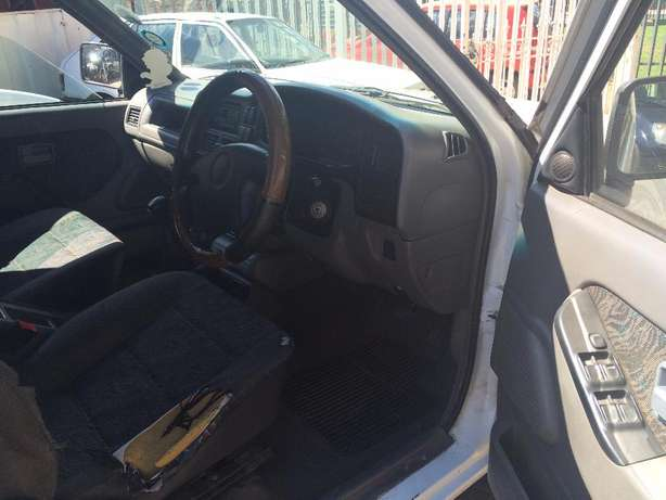 2001 ISUZU KB 200 Selling Price R48,999 Negotiable Winchester Hills - image 7