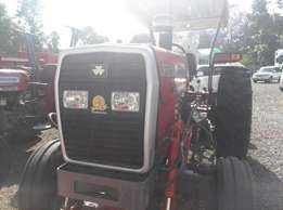 360 Massey Ferguson Tractor,comes with 3 Disc,Drawbar,Weights,Toollbox