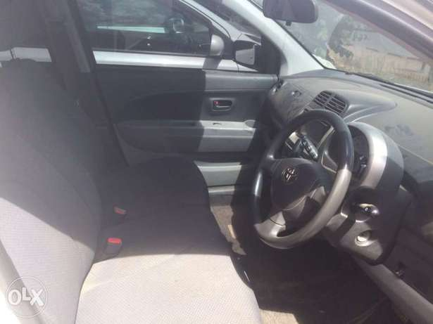 Quick sell 2010 Toyota Passo clean Buy and drive call for viewing Nairobi CBD - image 3