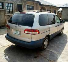 A super clean 2002 Toyota Sienna for sales