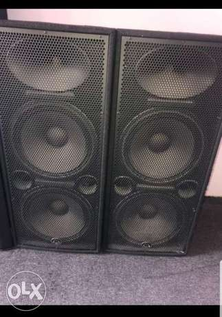 For sale 2 speakers double American wharfidale dlx 215 jded