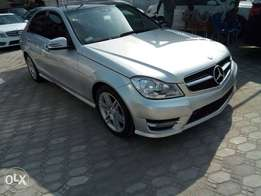 Super Clean Mercedes Benz 2008 upgraded to 2012