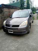 Toyota Sienna 2004 Model Tokunbo Just In Perfectly Conditions Drive 87