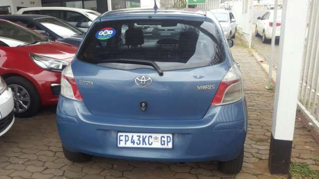 Toyota yaris for sale r25000