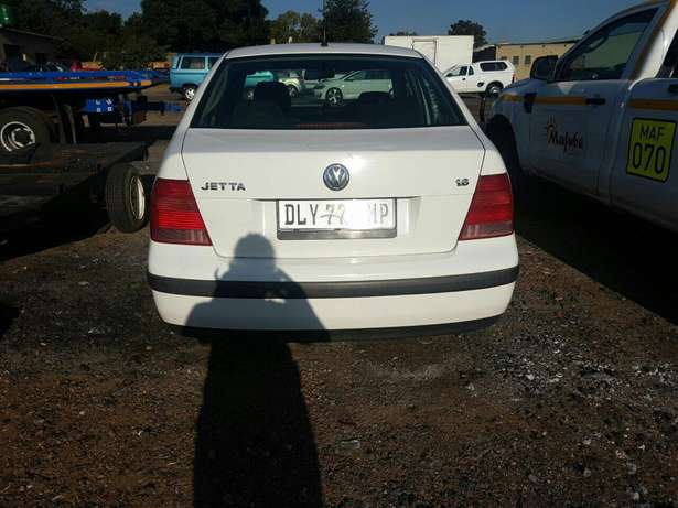 Hi there I'm currently selling a jetta Emalahleni - image 3