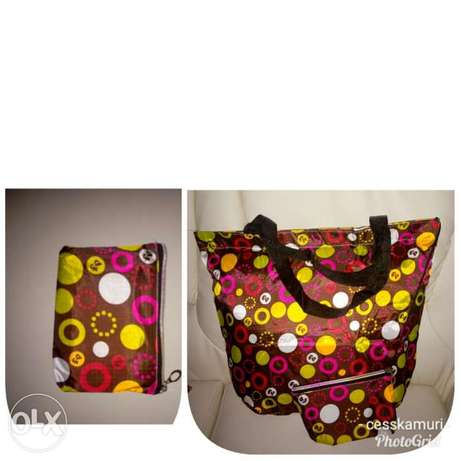 Ladies shopping/travelling bags at 300bob each for wholesale price Nairobi CBD - image 3