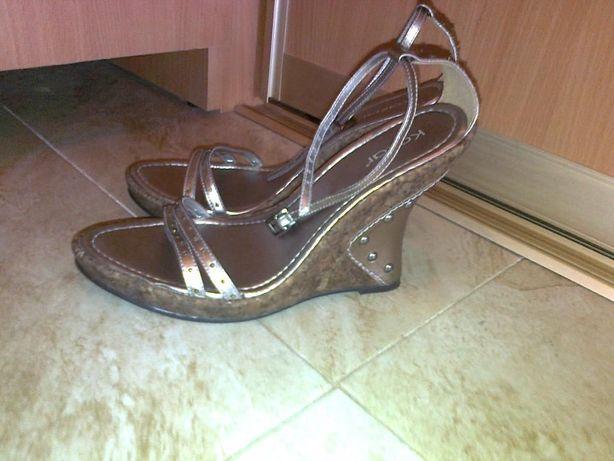 4ef185bfb9b188 Босоножки фірми KAZAR: 350 грн. - Жіноче взуття Добротвір на Olx