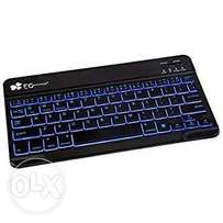 Bluetooth keyboard with touch mouse