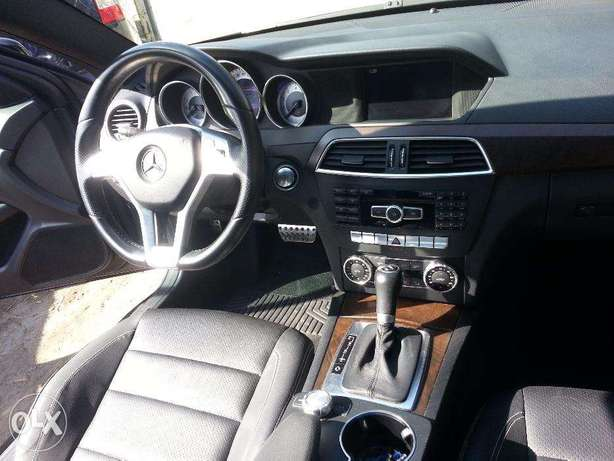 Jbeil Mercedes benz C250 coupeAMG black & black panoramic navigation
