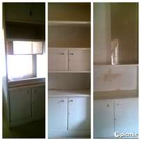 6 Piece Wall unit for sale with Glass shelves and TV slidding doors