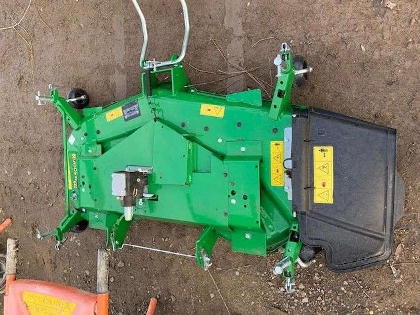John Deere 1026r compact tractor - 2018 - image 3