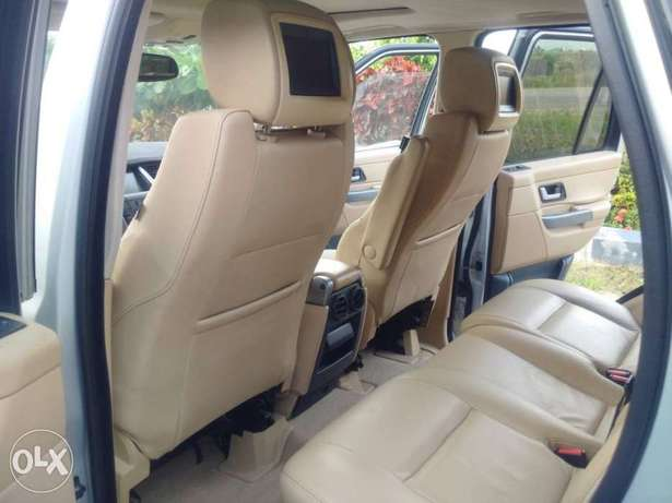 Range Rover Sport HSE Lugbe - image 5