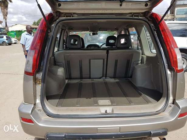 Nissan extrail super clean in mint Condition Nairobi CBD - image 3