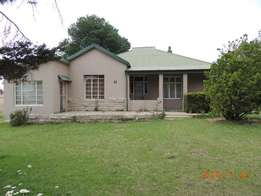 Lovely 3 bedroom house for sale in Warden Free state.