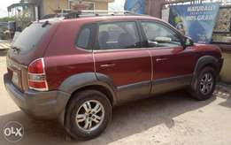 Extremely clean Hyundai Tucson '08 model,first body,Auto, 4cylinder,