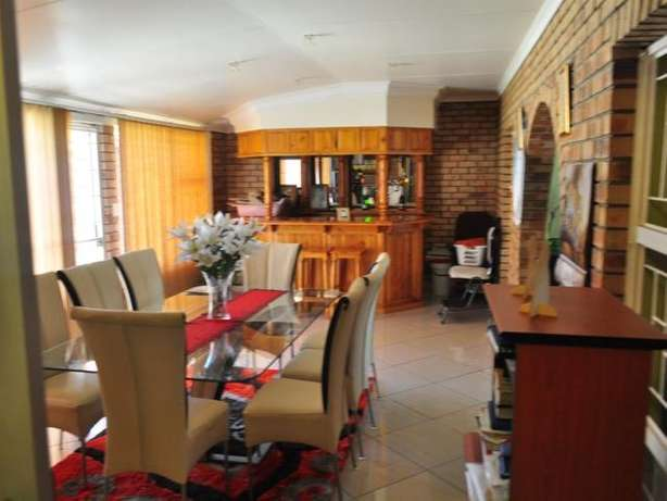 House for sale in Hospitaal park Ladysmith Ladysmith - image 2