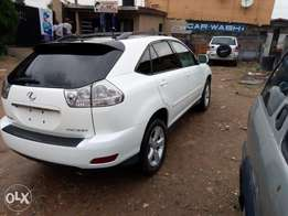 Lexus rx 2005 Automatic ,American specs, white clean full option.