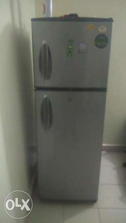 LG Fridge Woodly - image 1