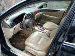 Well maintained Lexus es300 for sale