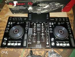 Pioneer XDJ RX UK used. 3 Months Old.