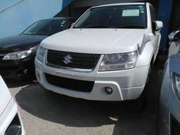 Suzuki escudo. KCM number 2010 model loaded with alloy rims, good