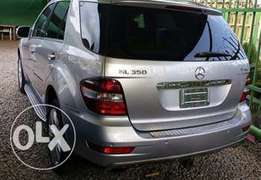 Tokunbo 2010 Mercedes Benz ML 4Matic Up 4Grabs