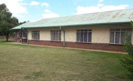 BARGAIN!! 1.8 ha with Excellent family home & Granny flat