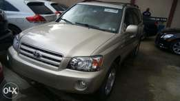Toyota Highlander 2004 Limited, Gold