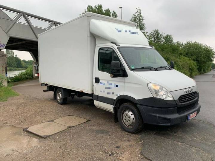 Iveco Daily 35S15 Koffer + LBW - Klima, 6 Gang, 1.Hand - 2013