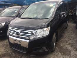 New Face New Shape Honda Stepwagon 2010 sports 7 seater