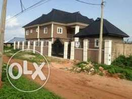 5 bedrooms duplex and two flats for sale