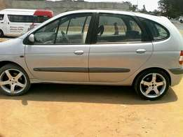 Am saleing my Renault scenic 2.0 16v in good condition