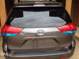 Toyota Sienna Xle Tokunbo - 2012 Model lastest shape_super clean