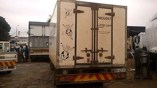 *4 ton Refrigerated Body for SALE!* Johannesburg - image 2