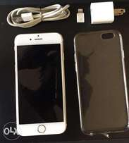 IPhone 6 16GB Silver with screen protector transparent case and charge