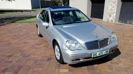 Call Haroon on 2003 Mercedes Benz C200 Kompressor Auto sunroof