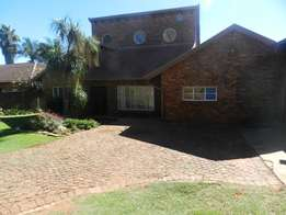 5 bedroom family home in Garsfontein