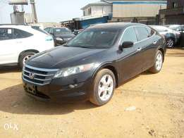 Honda Crosstour Black