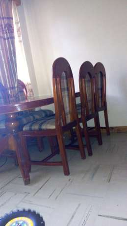 Dining table and six chairs Kiambu Town - image 2