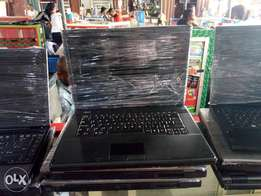 Very clean London used lenovo laptop with 4gb
